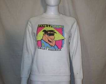 Closing shop SALE 40% off Flintstone Great America Sweatshirt, Fred Flintston 1990 sweatshirt