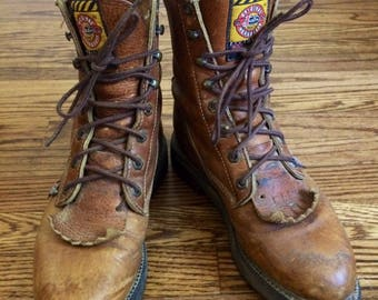 Vintage womens 1980's Justin brand boho leather work boots. Size 6.5