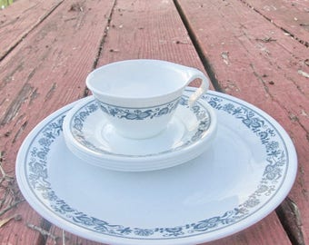 """Vintage Corelle """"Old Town Blue"""" Replacement Pieces - Dinner Plate/ Four Saucers/ Cup - Made by Corning - 1970s"""
