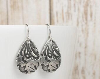 Antique Silver Teardrop Earrings, Long Antique Silver Earrings, Silver Earrings, Floral Design Earrings, Simple Earrings