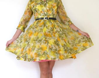 SALE SECTION / 50% off Vintage 50s 60s Green Floral Organza New Look Pleated Shirt Waist Dress (size small)