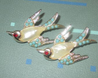 Vintage Flying Bird with Faux Pearl Jelly Belly Pin Pair