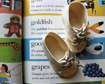 Vintage Soft Rubber Doll Shoes with Shoe Laces, Dolshoe, for 22-24 inch Dolls