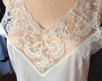 VINTAGE LACY SLIP, Lingerie, white nightgown, Canada made, size 36