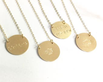 Personalized Disc Necklace, Personalized Pendant Necklace, Mothers Necklace, Personalized Jewelry, Gift for Mom, Customized Date or Name