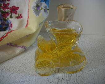 Avon Moonwind Cologne 1 oz. Courting Carriage 1973  Miniature Bottles Collectible Vintage Avon Carriage Shaped Bottle