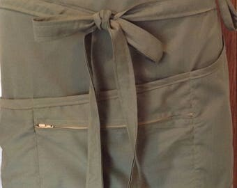 Vendor apron with zippered pocket olive green