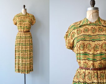 Market Square dress | vintage 1940s dress | printed rayon 40s dress