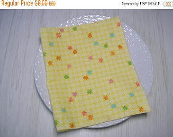 SALE Cloth Napkins Floral on Yellow Set of 4