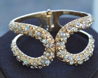 Aurora Borealis Rhinestone Clamper Bracelet, Gold tone, Vintage (AH6)