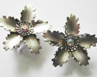 Vintage Clip on Earrings Silver Flower Rhinestone