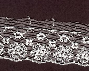 1.5 inch Ivory embroidered lace trim 13 yds  (3754)
