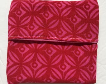 MamaBear Tuckables Pouch, Small (4 x 4) - Cloth Menstrual Pads, Wipes, Snacks, & more - Red Flowers