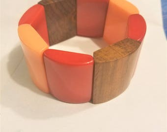 Chunky Wood and Lucite Stretch Bracelet Vintage Red Yellow