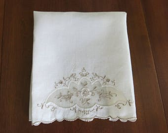 Handmde Madeira Guest Towel Vintage Ivory with Ecru Embroidery
