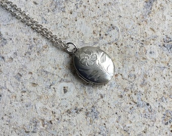 Silver locket, sterling silver locket necklace, flower necklace, tiny vintage oval locket