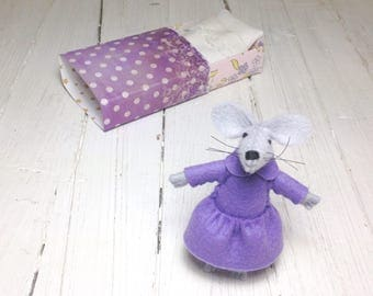 Felt animals plush mouse stuffed animal bed in the matchbox hand made doll girl gift newborn gift Travel buddies Miniature animals