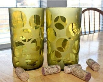 Circles Etched Wine Bottle Glasses
