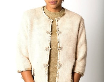 40% OFF The Vintage Robinson's Beige Wool Asian Sweater Cardigan
