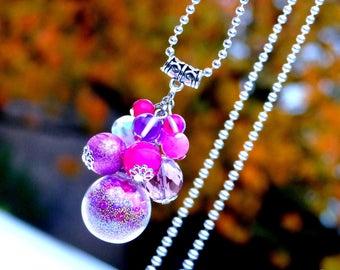 Precious Gipsy . Sautoir unique Bubbles grappe perles rose violet globe verre cristal bohème design original Tikaille