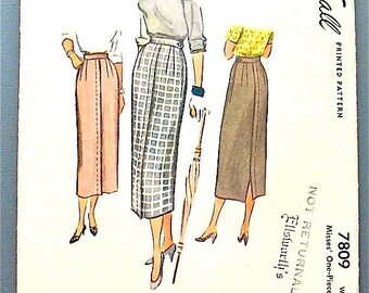 ON SALE Vintage McCall 1940s sewing pattern 7809 for one piece narrow skirt.  Waist 24 inches.