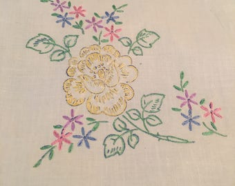 Beautiful Vintage Pansy Linen Set
