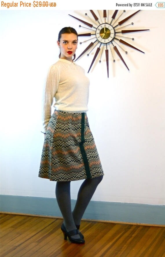 SALE 50% OFF Vintage 70s Zig Zag RUSS Skirt High Waisted Button Down A-Line Flared Above the Knee Earthy Dark Green Orange Brown Striped 197