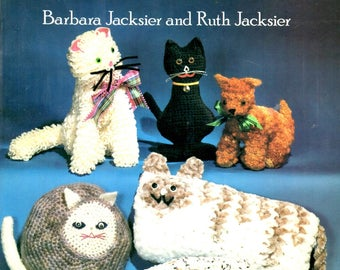 Crochets Cats and Kittens Soft Sculpture Toys Draft Blockers Pictures Pillow Craft Pattern Leaflet