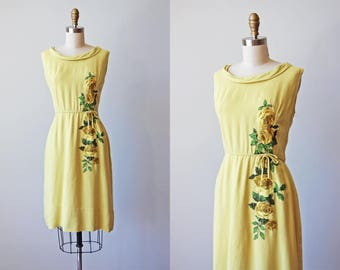 1950s Dress - Vintage 50s Dress - Sunny Yellow Linen Sundress w Rose Print Appliques M L - Book of Days Dress