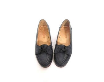 30% OFF Vintage 80s Navy Blue Leather Preppy Chic Loafers 6  6.5 vestiesteam perforated boho secretary granny indie hipster