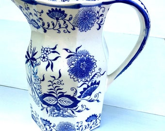 Vintage Arnat Blue Onion Small Pitcher, Blue and white, 1950s, Japan Porcelain, Crossed Arrow Backstamp, Dining and Serving,,Creamer/pitcher