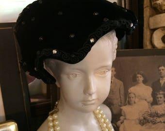 Stunning Vintage 50s Black Velvet Rhinestone Ladies Fascinator Mini  Hat