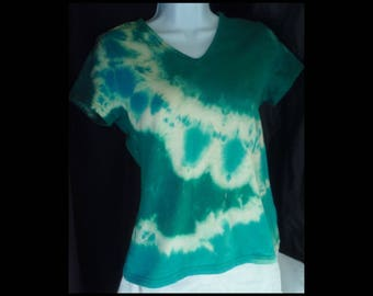 Acid washed medium shirt Basic Editions baby doll bleached top acid wash blouse blue green emerald teal sea NOT tie dye tee (shirt no. 142)