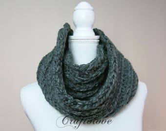 Chunky knit scarves - Chunky scarf - Infinity scarf - Chunky Infinity scarf - Chunky Charcoal Gray Infinity scarf - The Brussel
