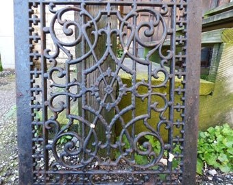 Antique Cast iron Grate Floor Wall Architectural salvage Deco Victorian Gothic Decorative 14 x 17