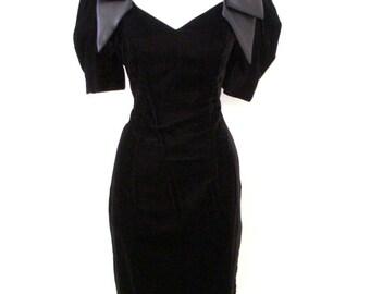 Vintage Black Velvet Cocktail Dress - 80s Black Velvet and Satin Party Dress - Black Sheath Dress with Union Label - Size Small to Medium 6