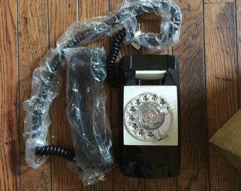 Vintage New in Box GTE Automatic Electric Starlite Telephone Black