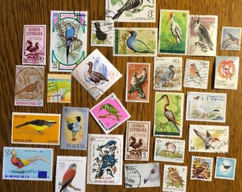 30 BIRD Used World Postage Stamps for crafting, collage, cards, altered art, scrapbooks, decoupage, history, collecting, philately 10h
