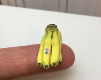 Miniature Dollhouse Banana Bunch in 1:12 scale one inch doll food fruit