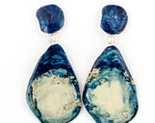 Blue and gold pendant earrings