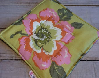 Pot Holder, Hot Pad, Potholder, Fabric Pot Holder, Fabric Hot Pad, Oven Potholder, Oven Hot Pad, Kitchen Potholder-Green Floral & Stripe