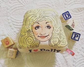 I heart Dolly Plush Rattle