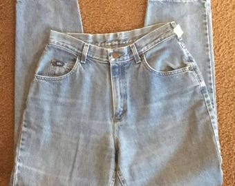 Vintage Women's Mom Jeans Made By Lee Size 8/10 High Waisted Light Denim
