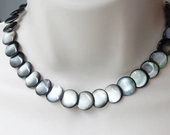 14mm Black  mother of Pearl overlapping round  Beads,  overlapping coin beads