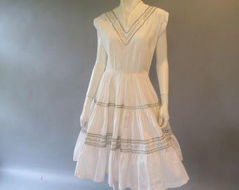 1950s Patio Dress - 50s Mexican Dress - White Cotton Silver Rick Rack Rockabilly Dress - Reception Dress -VLV - Size L - Full Skirt