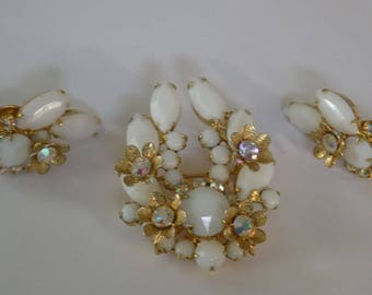 Vintage jewelry,Juliana DeLizza and Elster 1950's brooch and clip-on earrings set,white glass and AB crystals
