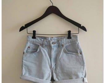 Vintage 80s LEVI'S high waisted denim shorts