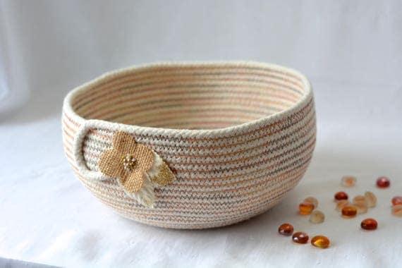 Modern Minimalist Bowl, Handmade Rope Basket, Cute Clothesline Basket, Lovely Creamy Beige Bowl,  hand coiled natural rope basket