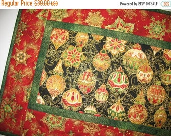 Sale Christmas in July Christmas Table Runner Quilted  from Kaufman Flourish Line