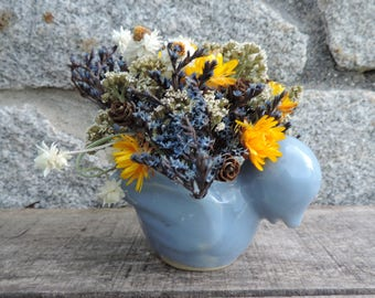 Dried Flower Bouquet Vintage Retro Blue Bird Pottery Floral Arrangement Strawflowers Status Winged Everlasting